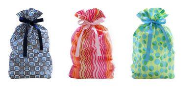 eco-chic gift bag, eco-chic gift wrap, eco-friendly gift bag, eco-friendly gift wrap, eco-modern gift bag, eco-modern gift wrap, green gift bag, green gift wrap, green holidays, green wrapping paper, green wrapping paper, LivingEthos, reusable gift bag, reusable gift wrap